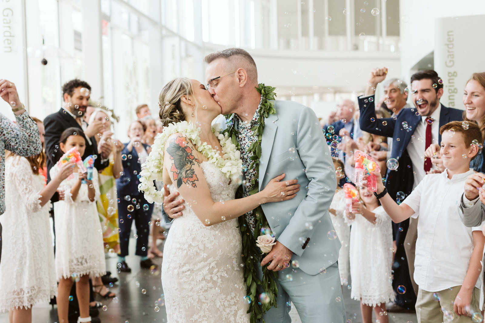 brooklyn botanic garden atrium wedding bubble exit nyc wedding photographer