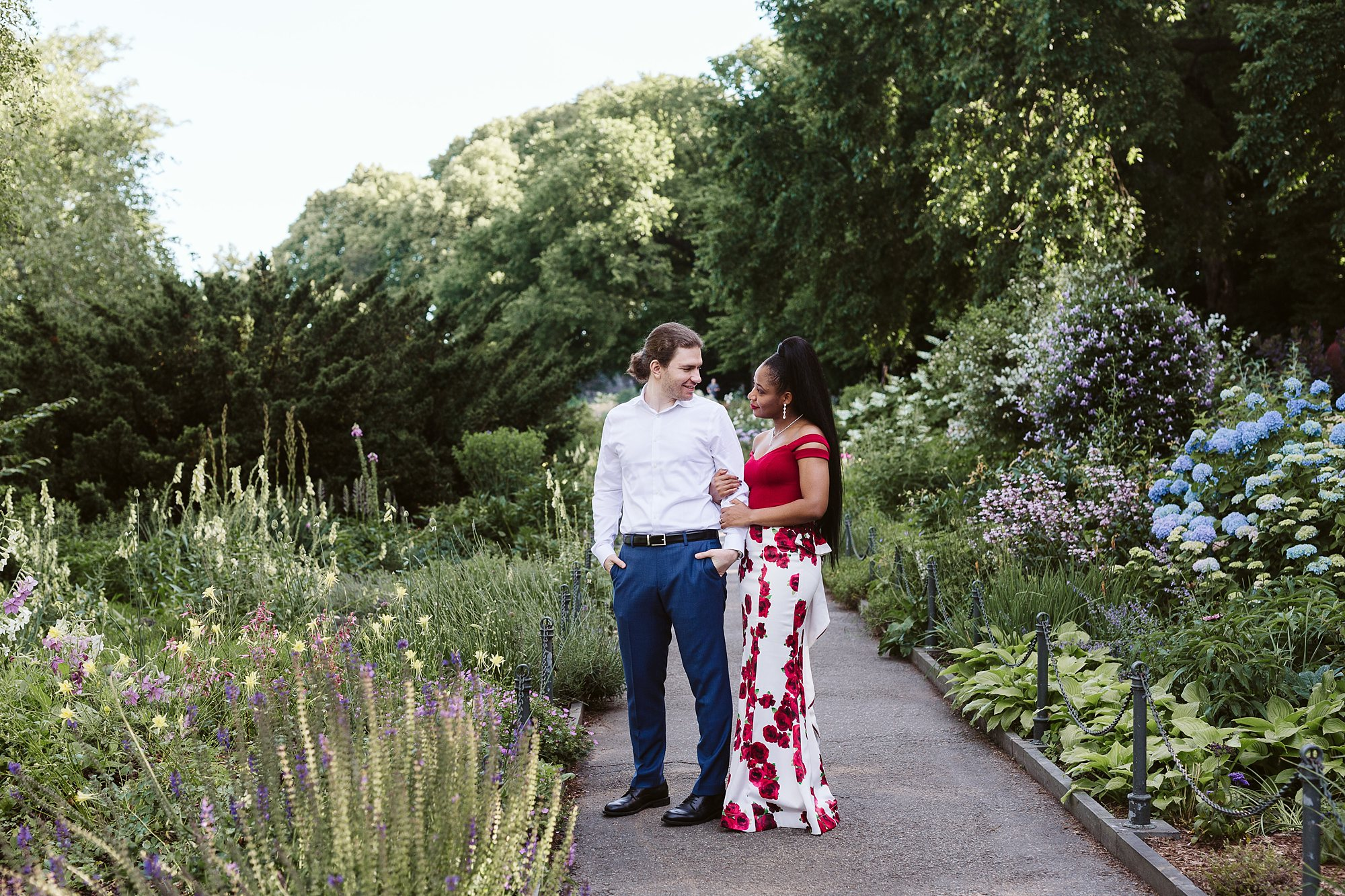 fort tryon park engagement session NYC elopement photographer Sarah Sayeed