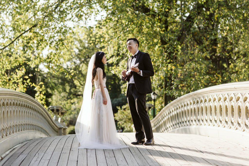 bow bridge elopement photos by NYC elopement photographer Sarah Sayeed